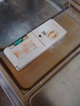 На двери отсек для моющего средства и для ополаскивателя. - 20191005_110446.jpg